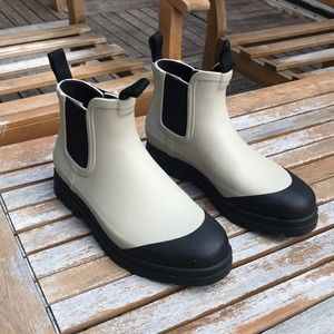 Everlane rainboots